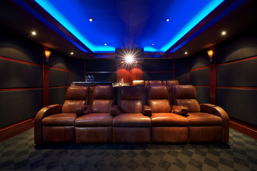 Your Guide to Choosing a Home Theater Projector